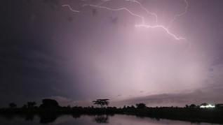 Ada Bibit Siklon Tropis, Waspadai Cuaca Ekstrem Wilayah Timur