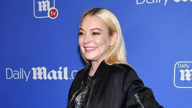 Lindsay Lohan Tunjukkan Rasa Naksir untuk Tyga