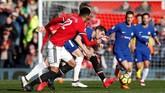 Babak kedua sempat berlangsung sengit. Penyerang Chelsea Alvaro Morata yang dipercaya Antonio Conte bermain 90 menit, tampil buruk saat melawan Manchester United. (REUTERS/Andrew Yates)