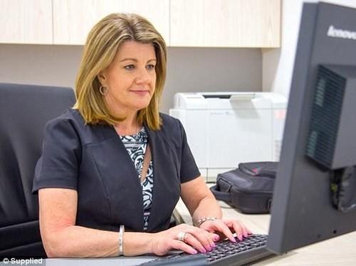 Cari Kebahagiaan, Wanita Ini Tinggalkan Pekerjaan Bergaji Rp 1,6 M