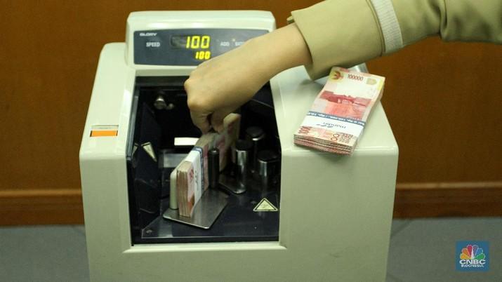 Nilai tukar rupiah bergerak melemah tipis terhadap dolar Amerika Serikat (AS).