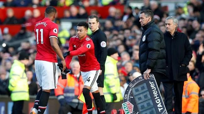Pada menit ke-64, Jose Mourinho memasukkan Jesse Lingard dan menarik keluar Anthony Martial. Sebuah keputusan yang mengubah hasil pertandingan. (REUTERS/Andrew Yates)