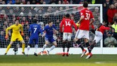 Manchester United sebenarnya punya sejumlah peluang lainnya untuk mencetak gol. Salah satunya lewat tendangan voli Romelu Lukaku. (Reuters/Jason Cairnduff)
