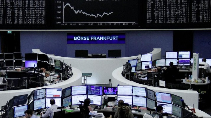 The German share price index, DAX board, is seen at the stock exchange in Frankfurt, Germany, February 26, 2018.    REUTERS/Staff/Remote
