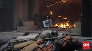 Pemadam: Isi Toko Tekstil di Pasar Baru Habis Terbakar