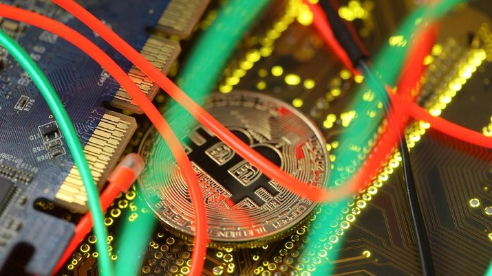 Aksi sell-off atau jual besar-besaran sedang melanda Bitcoin Cs.