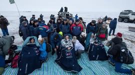 Tiga Awak Stasiun Antariksa Berhasil Mendarat Kembali ke Bumi