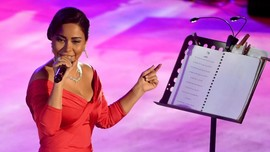 Hina Sungai Nil, Penyanyi Mesir Dipenjara