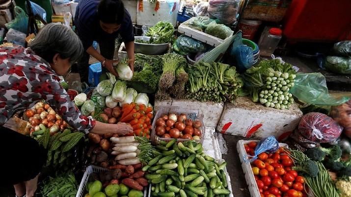 Laju inflasi Indonesia pada Februari diperkirakan melambat dibandingkan bulan sebelumnya.