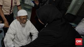 Tolak Bebas Bersyarat, Ba'asyir Hanya Mau Dapat Remisi Besar