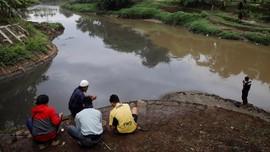 Guyonan Citarum: Sungai Kotor karena Ada Duit Mengalir