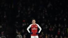 Menebak Pikiran Emery Soal Oezil Jelang Arsenal vs Chelsea