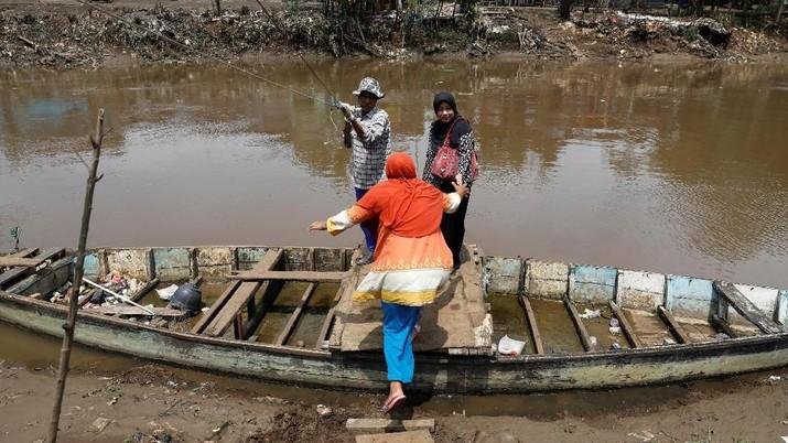 Bersihkan Sungai Terkotor di Dunia, Luhut Gandeng 12 Kampus