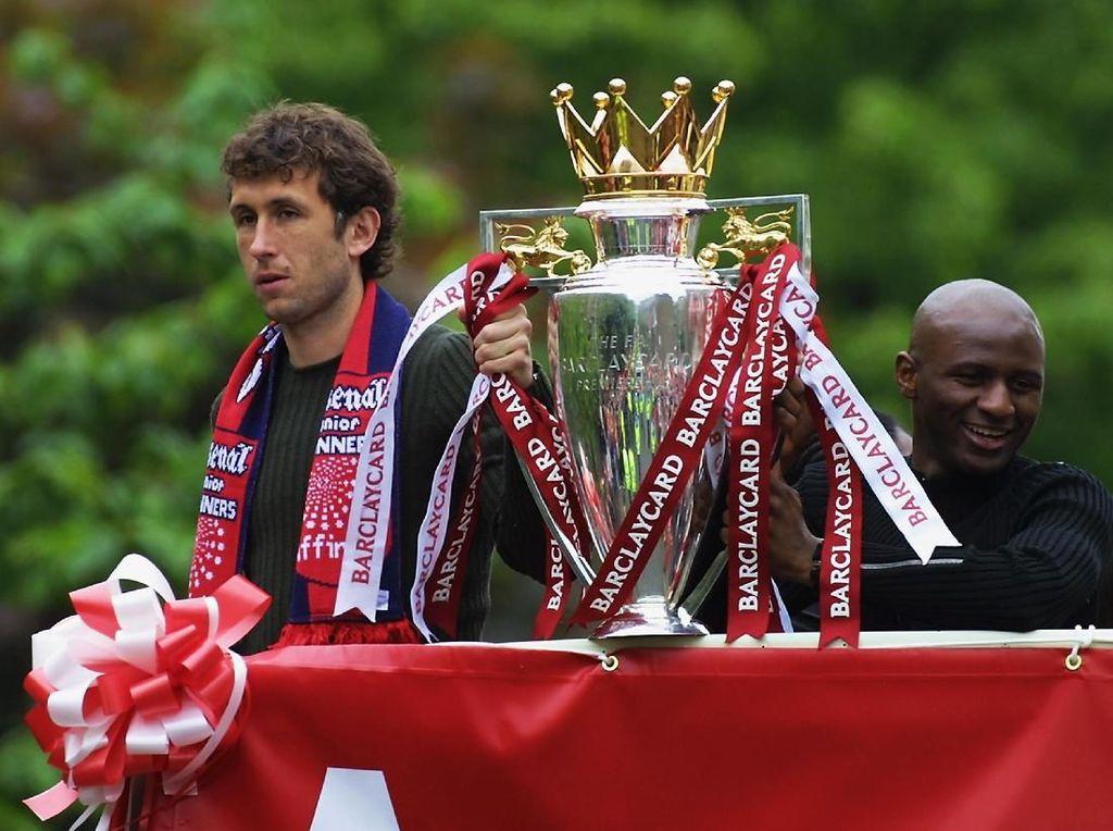 3. Arsenal. 13 titel berhasil dikoleksi Arsenal yakni 1930/1931, 1932/1933, 1933/1934, 1934/1935, 1937/1938, 1947/1948, 1952/1953, 1970/1971, 1988/1989, 1990/1991, 1997/1998, 2001/2002, 2003/2004. Sembilan kali Arsenal jadi runner-up. (Foto: Craig Prentis/Getty Images)
