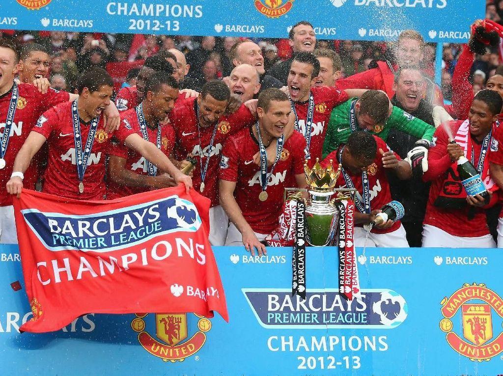 1. Manchester United. 20 titel berhasil dikoleksi MU yakni 1907/1908, 1910/1911, 1951/1952, 1955/1956, 1956/1957, 1964/1965, 1966/1967, 1992/1993, 1993/1994, 1995/1996, 1996/1997, 1998/1999, 1999/2000, 2000/2001, 2002/2003, 2006/2007, 2007/2008, 2008/2009, 2010/2011, 2012/2013. 15 kali MU jadi runner-up. (Foto: Alex Livesey/Getty Images)