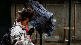 FOTO: Amerika Serikat Disapu Badai Angin dan Salju