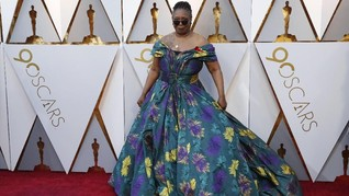 FOTO: Gaun-gaun Terburuk di Karpet Merah Oscar 2018