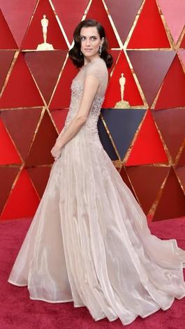 Baju Hitam Tak Lagi Jadi Dress Code di Red Carpet Oscars, Ini Alasannya
