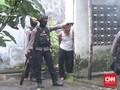 Amankan Orang Gila, Polda Jatim Kerahan Brimob Bersenjata