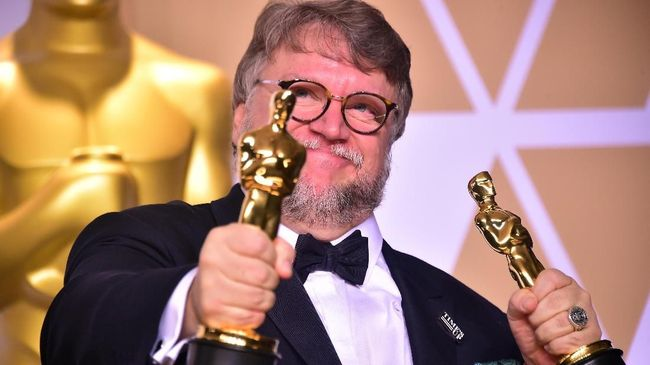 Guillermo del Toro Bakal Garap Film Animasi Keluarga