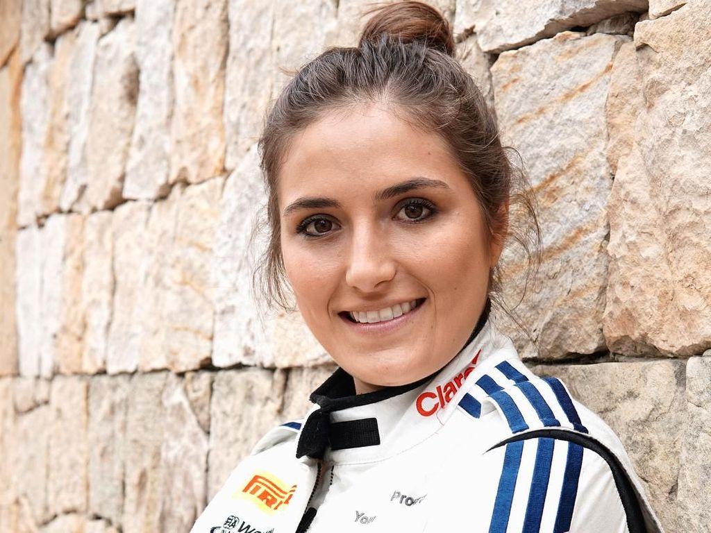 Calderon akan membela tim Jenzer Motorsport di musim ini. Foto: Instagram @tatacalde7