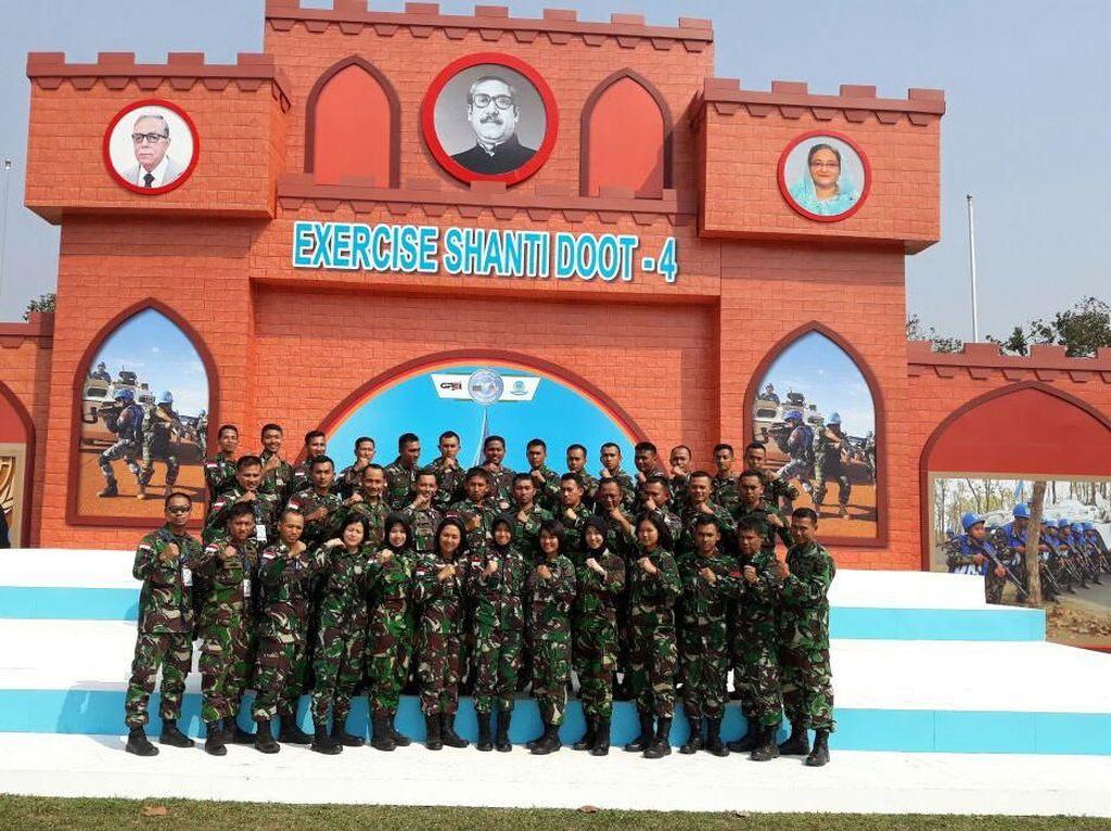 Latihan Bersama (Latma) Shanti Doot merupakan kegiatan latihan peacekeeping operations yang terdiri dari Field Training Event (FTE) dan Staff Training Event (STE) dan termasuk dalam program Global Peace Operations Initiative (GPOI) yang diinisiasi oleh PBB dan disponsori oleh U.S. Pacific Command (USPACOM). Pool/Puspen TNI.
