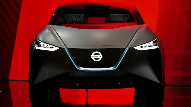Nissan IMx concept mempresentasikan mobil-mobil masa depan Nissan. (AFP PHOTO/Fabrice COFFRINI)