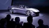 Hyundai Le Fil Rouge adalah salah satu mobil sport Hyundai di masa depan. Konsep mobilnya diperkaya dengan DNA sport tanpa menanggalkan kenyamanan di kabin penumpang. (REUTERS/Denis Balibouse)
