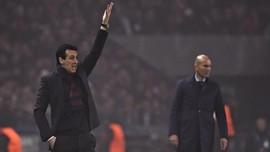 Wenger Pernah Dukung Emery Bertahan di PSG