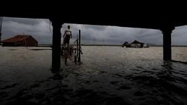 FOTO: Ancaman Hilangnya Garis Pantai di Indonesia