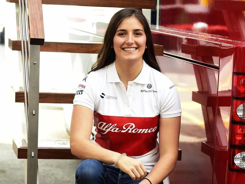 Calderon diumumkan sebagai test driver Sauber pada Selasa (6/3/2018). Foto: Instagram @sauberF1team