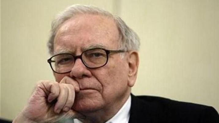 Warren Buffett dipercaya tengah bertaruh soal kejatuhan pasar modal.