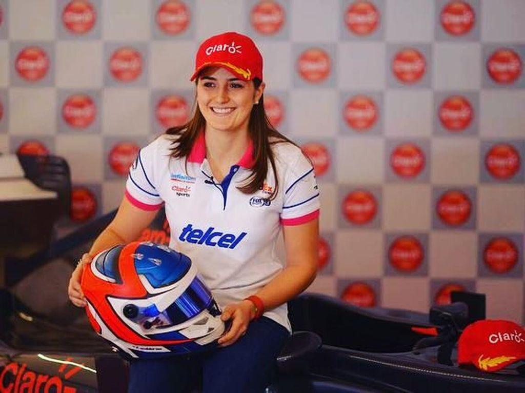 Calderon musim ini juga akan terjun di balapan GP3. Ini adalah musim ketiganya di arena GP3. Foto: Instagram @tatacalde7