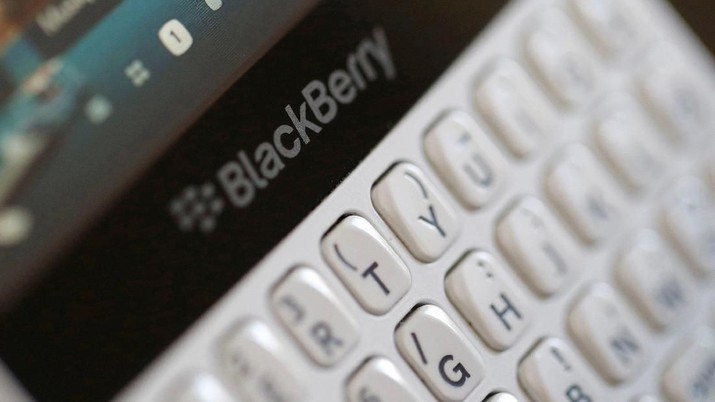 FILE PHOTO - A Blackberry smartphone is displayed in this illustration picture August 22, 2016. REUTERS/Regis Duvignau/File Photo