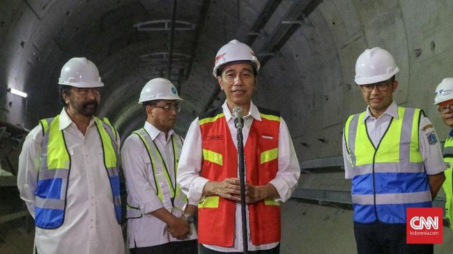 Jokowi Janjikan MRT Beroperasi Maret 2019