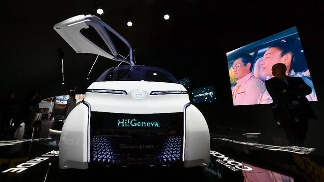 Toyota menampilkan mobil konsep