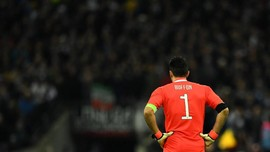 Buffon Tolak Nomor 1 dan Ban Kapten di Juventus