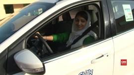 VIDEO: Pengalaman Pertama Perempuan Saudi Belajar Mengemudi