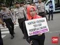 Usai dari DPR, Aksi Perempuan Berlanjut di Seberang Istana