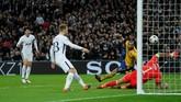 Tottenham yang sempat kesulitan membongkar pertahanan Juventus mampu memecah kebuntuan pada menit ke-39 melalui gol Son Heung-min. (REUTERS/Eddie Keogh)