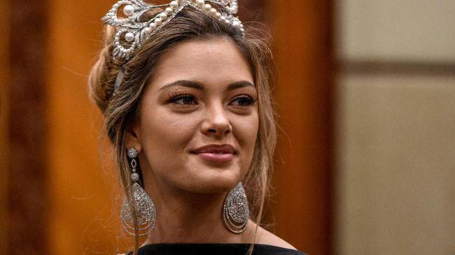 Miss Universe 'Ngebet' Pakai Kebaya di Final Puteri Indonesia
