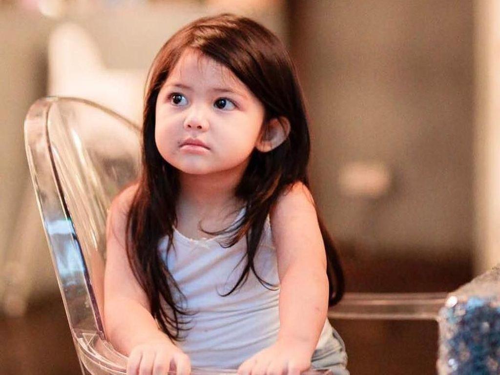 Gemes Banget! Gaya Aaisyah Dhia, Selebgram Cilik dari Malaysia