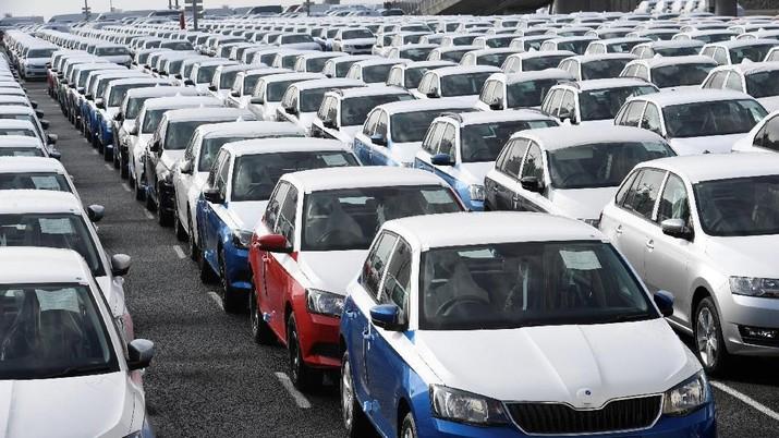 Toyota: Pasar Ekspor Sedan Dipengaruhi Harga Minyak Dunia