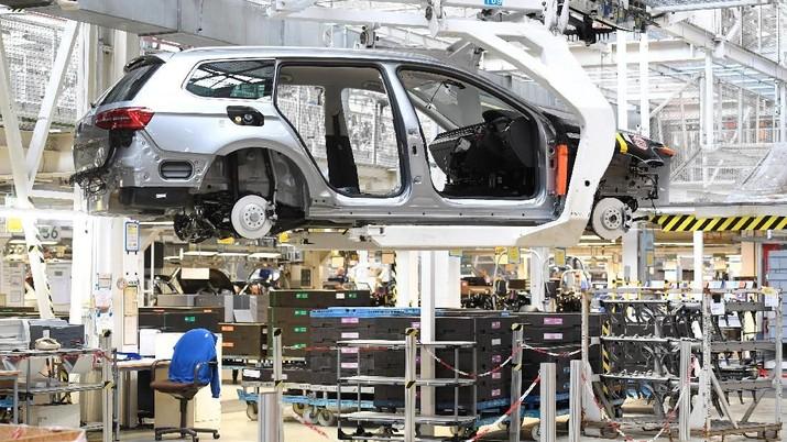 Volkswagen export cars are seen in the port of Emden, beside the VW plant, Germany March 9, 2018.  REUTERS/Fabian Bimmer