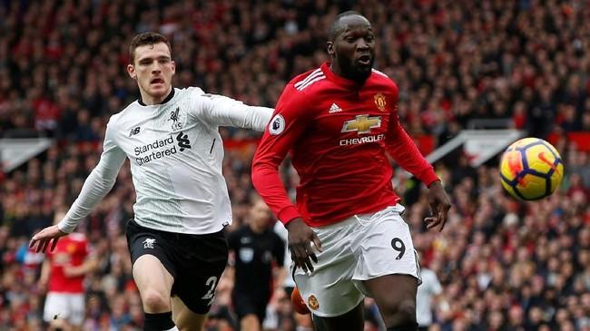Meski tidak mencetak gol, tapi Romelu Lukaku tetap mendapat kredit setelah dua gol Marcus Rashford berawal dari sundulan penyerang asal Belgia tersebut. (REUTERS/Andrew Yates)