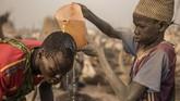 Kekeringan dan kelaparan ini tak hanya terjadi di daerah tepi Sungai Nil, tapi juga hampir seluruh Sudan Selatan. Berdasarkan laporan pada Januari lalu, sekitar 53 juta orang, atau 48 persen dari keseluruhan penduduk di Sudan, mengalami kekurangan makanan akut. (AFP Photo/Stefanie Glinski)