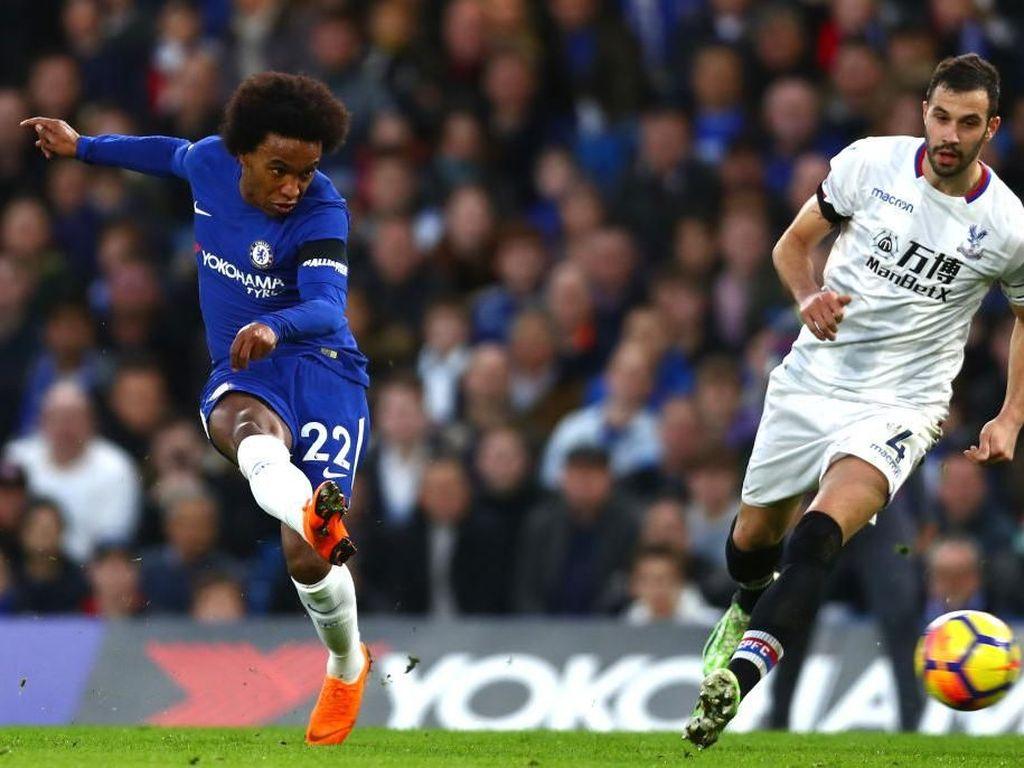 Willian (Chelsea), gelandang serang. Willian mencetak gol pembuka dalam kemenangan 2-1 atas Crystal Palace. Menjadi pemain paling mengancam Chelsea dengan empat tembakan tepat sasaran dari total enam tembakan. (Foto: Clive Rose/Getty Images)