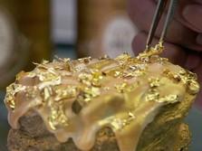 Dolar AS Kehilangan Momentum, Emas Jadi Buruan Investor