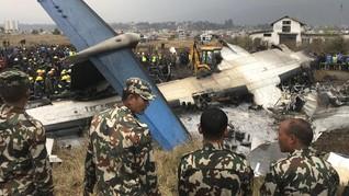 FOTO: Puing Pesawat Nahas yang Jatuh di Nepal