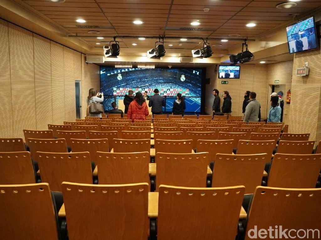 Ruang konferensi pers di Santiago Bernabeu. (Femi Diah/detikSport)